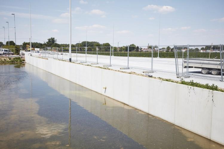 Obras de terreno e infraestrutura